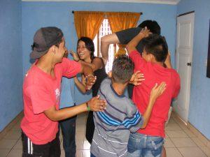 Masaje_Colectivo_o_Escarapulines